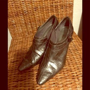 Anne Klein booties grey great condition